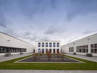Produktions- + Verwaltungsgebäude Finn Comfort Haßfurt Moderne Bürogebäude von BAURCONSULT Architekten Ingenieure Modern