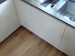 Bedfordshire - Chateau Vanilla: modern  by Fine Oak Flooring Ltd., Modern