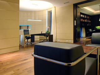 Рабочий кабинет в стиле модерн от Zbigniew Tomaszczyk Decorum Architekci Sp z o.o. Модерн