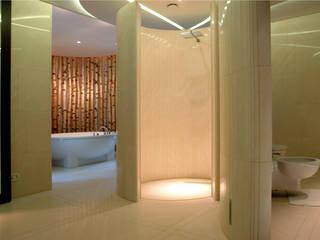 浴室 by Zbigniew Tomaszczyk  Decorum Architekci Sp z o.o., 現代風