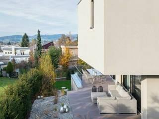 Modern Balkon, Veranda & Teras Marty Häuser AG Modern