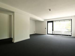 Sanierung und Umnutzung ehemalige Abgeordneten-Appartementhäuser 'Heussallee' in ein Bürogebäude und 2 Boardinghouses, Bonn:   von Beyss Architekten GmbH
