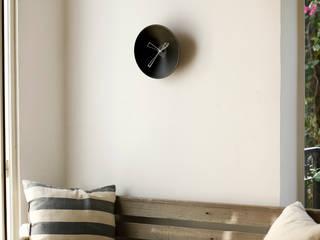 P Clock: minimalist  by Studio Ve, Minimalist