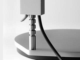 LEE + LED: modern  von Anta Leuchten,Modern