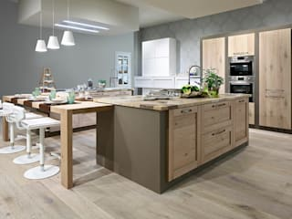 CURRY ED E' SEMPRE SHOW COOKING:  in stile  di ARREX LE CUCINE
