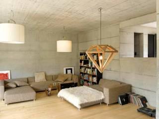 Salones modernos de Marty Häuser AG Moderno