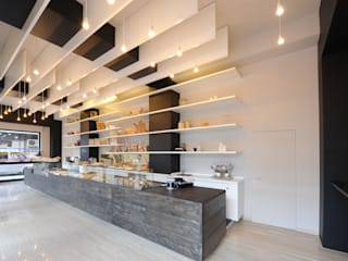 Minimalist offices & stores by GRAZIANI & DICEMBRINO Minimalist