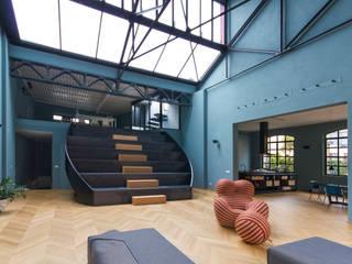 LOFT M.S. S.C.: Soggiorno in stile in stile Moderno di Elena Cerizza Architetto