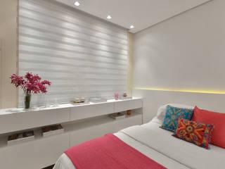 Dormitorios de estilo clásico de Redecker + Sperb arquitetura e decoração Clásico