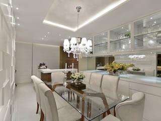 Comedores de estilo clásico de Redecker + Sperb arquitetura e decoração Clásico
