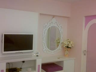 A PRINCESS' ROOM:  Nursery/kid's room by Hopskoch