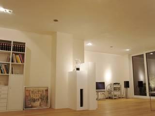 private licht inszenierung bzw. lichtplanung Wohnzimmer von lichtundobjektberatung.de