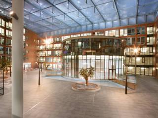 atrium licht gestaltung Ausgefallene Geschäftsräume & Stores von lichtundobjektberatung.de Ausgefallen