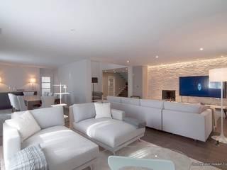 Paço de Arcos Salas de estar modernas por Stoc Casa Interiores Moderno