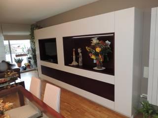 Jordi Salones de estilo moderno de Mobles la Gavarra Moderno