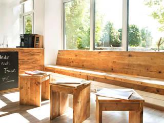 Innenaustattung Friseursalon Rustikale Arbeitszimmer von edictum - UNIKAT MOBILIAR Rustikal