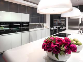 GRAND DESIGNS LIVE 2014 Modern kitchen by Diane Berry Kitchens Modern
