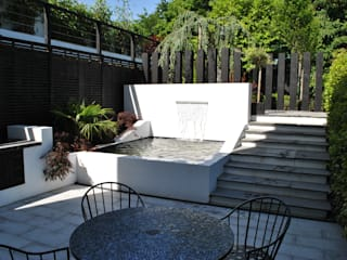 """Modern Living"" in the city Modern garden by Kevin Cooper Garden Design Modern"