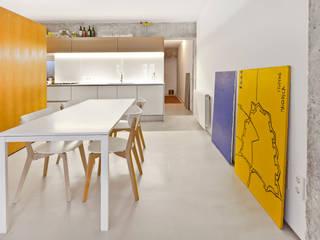Reforma de apartamento en Palma de Mallorca Comedores de estilo industrial de Joan Miquel Segui Arquitecte Industrial