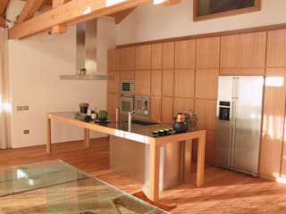 ARREDO PRIVATO Ingresso, Corridoio & Scale in stile moderno di CORAZZOLLA SRL - Arredamenti su Misura Moderno