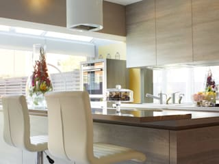 JOHN & RICHARD'S KITCHEN:  Kitchen by Diane Berry Kitchens