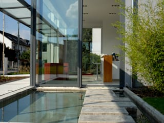 Piscinas de estilo minimalista de Herzog-Architektur Minimalista