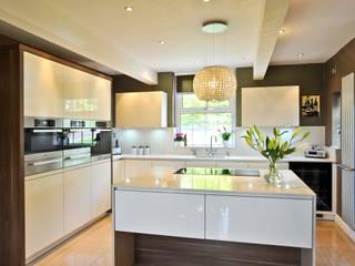 MR & MRS SHORROCK'S KITCHEN:  Kitchen by Diane Berry Kitchens