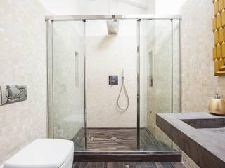 Salle de bains de style  par Andrea Stortoni Architetto