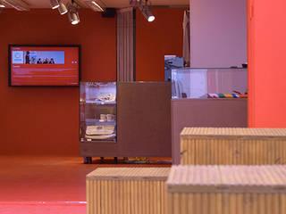 Centros de exposições  por EBEN ARCHITEKTUR FRANKFURT MANNHEIM