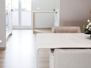 STUDIO PAOLA FAVRETTO SAGL Modern kitchen Wood White