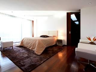 Dormitorios de estilo minimalista de Risco Singular - Arquitectura Lda Minimalista