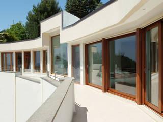 Abitazione privata: Case in stile in stile Moderno di Francesco Giannattasio Architetto