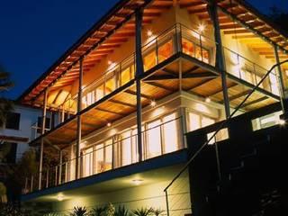 Villa Hupfer esterno 1: Case in stile  di ABITA PIÙ