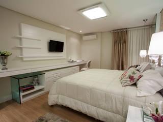 Dormitorios clásicos de Luine Ardigó Arquitetura Clásico