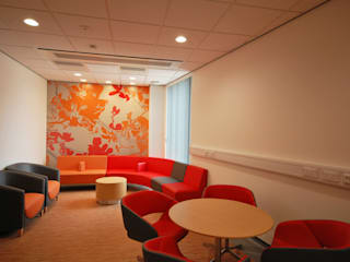 New Build, NHS Hospital - Emergency Department & Day Surgery Unit :   by Koubou Interiors
