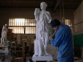 "Scultura in marmo Carrara, ""Diana Gabi"" di Todini Sculture Classico"