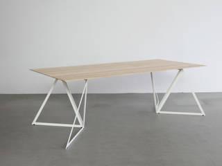 Steel Stand Table:   von Sebastian Scherer