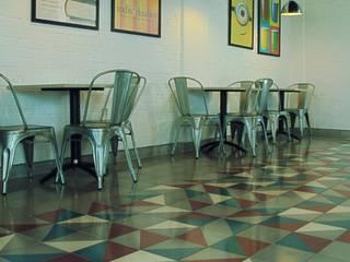 Cafeteria Escuelas de estilo industrial de Studio Victoria Industrial