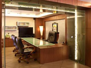 Manhans, Modern office by Squaare Interior Сучасний