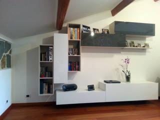 Il mobile soggiorno nasce da un semplice foglio a quadretti di ARREDACASAOnLine Moderno