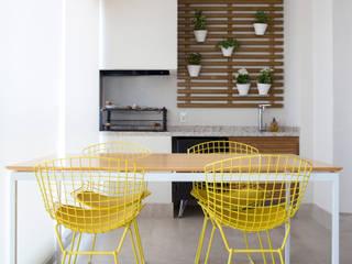 APARTAMENTO MOFARREJ: Terraços  por Decorare Studio de Arquitetura,