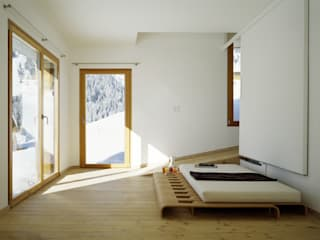 Ferienhaus in den Bündner Alpen:   von Drexler Architekten AG