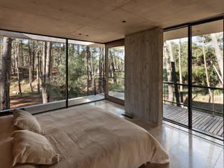 Casa Marino Dormitorios modernos: Ideas, imágenes y decoración de ATV Arquitectos Moderno