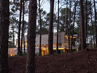 Rumah oleh ATV Arquitectos, Modern
