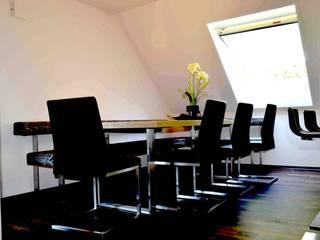 RAUM UND ÄSTETIK Moderne Häuser von arché techné néos Modern