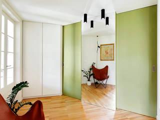 UMBAU UND INNENRAUMGESTALTUNG EINER WOHNUNG IN BARCELONA M2ARQUITECTURA Moderne Häuser