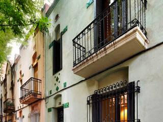 GENERALSANIERUNG EINES DENKMALGESCHÜTZTEN EINFAMILIENHAUSES IN BARCELONA M2ARQUITECTURA Moderne Häuser
