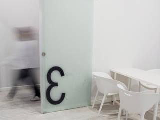 Clínica Central: Clínicas de estilo  de interior03