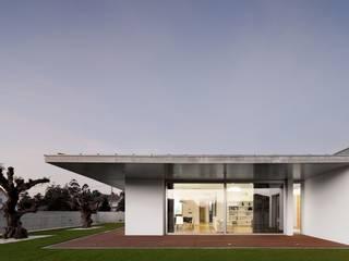 XIEIRA HOUSE II by A2+ ARQUITECTOS Modern