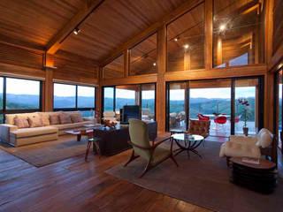 Mountain House David Guerra Arquitetura e Interiores Casas de estilo rústico